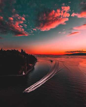 View of Vancouver at sunset, British Columbia, Canada thanks to our Ultimate City Guide